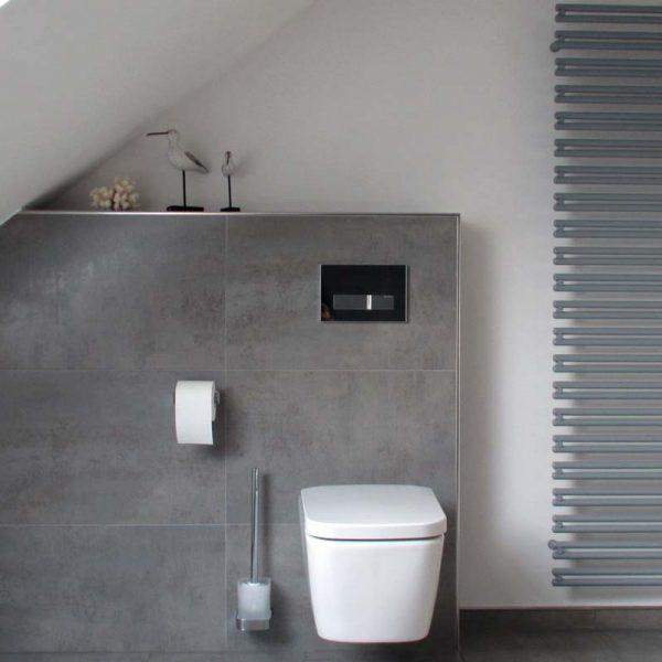 Nachher – Toilette und Designheizkörper
