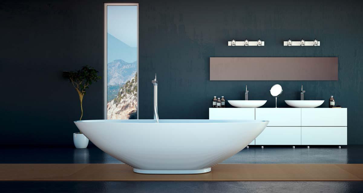 Modernes Badezimmer mit freistehender Badewanne und Waschtisch