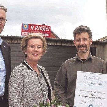Anke Ringel mit Torsten Allmendinger sowie Thomas Buch und Jürgen Kray von Junkers