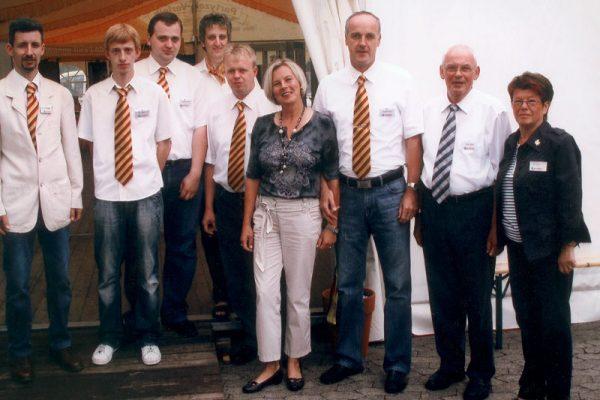 Anke Ringel und Mitarbeiter auf der Feier zum 40. Jubiläum